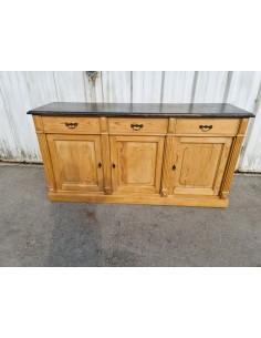 Meuble en pin trois portes trois tiroirs dessus patine noire